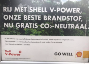 Greenwashing Shell: net doen of ze genoeg bomen planten de CO2-uitstoot van fossiele brandstof te compenseren.